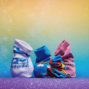 tęczowe skarpetki zestaw tęcza sklep tęczowy LGBT